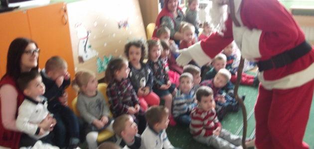 Деда Мраз у вртићу